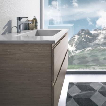 Waschtisch mit Badmöbeln ohne Griffe aus der Badmöbel-Serie FLASH.