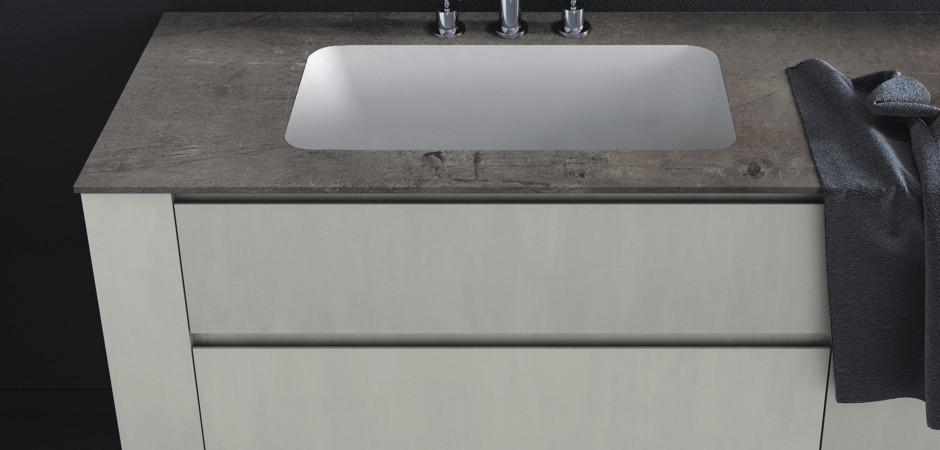 HPL-Waschtischplatte und OCRITECH-Waschbecken auf Maß.