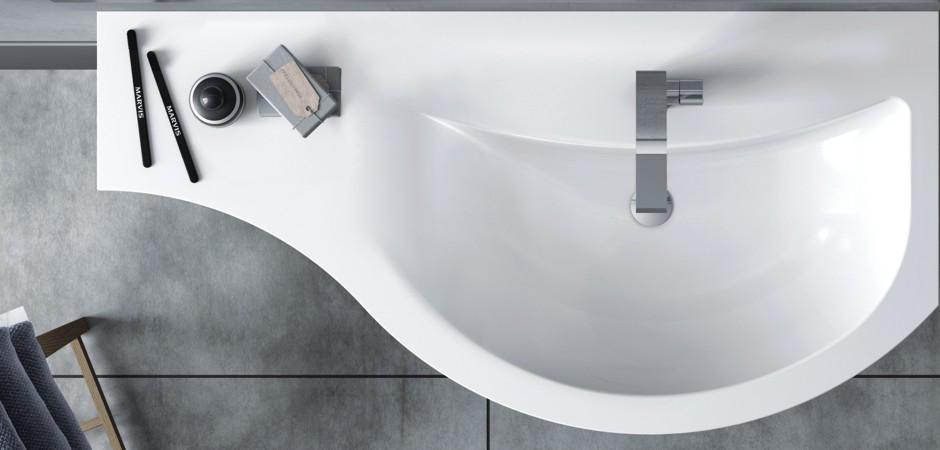 Geschwungenes Waschtisch-Design mit Mineralguss-Waschtisch
