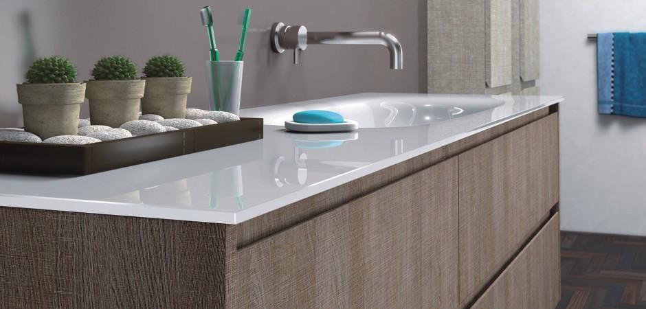 Rechteckiges Waschtisch-Design mit Glas-Waschtisch